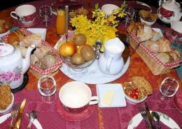 A la Métairie, Lindry : petit déjeuner