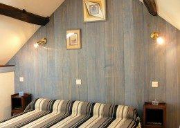 A la Métairie, Lindry : chambre