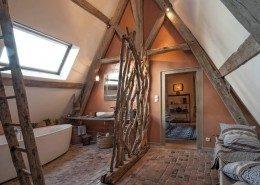 Hôtel De Suhard, Bellême : salle de bain de la chambre du Sieur de la Noë