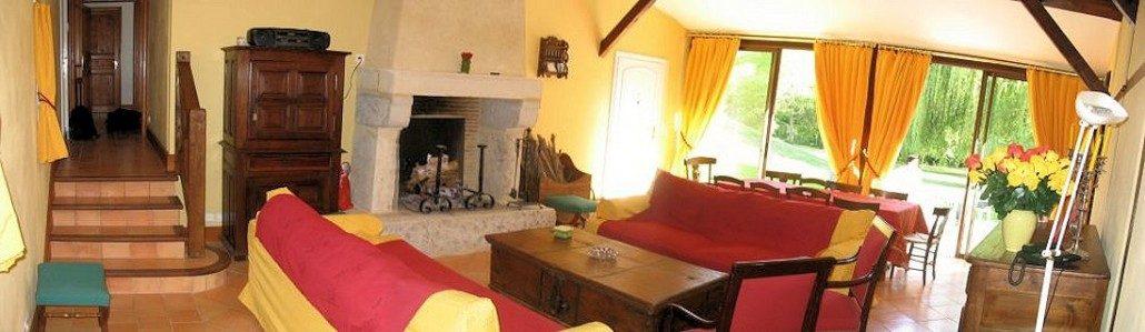 La Maison Rose, chambres d'hôtes à Origne (Aquitaine) : le salon