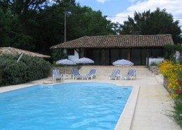 La Maison Rose, chambres d'hôtes à Origne (Aquitaine) : la piscine