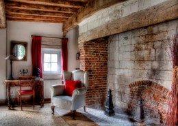 La Prairière : cheminée chambre coquelicot