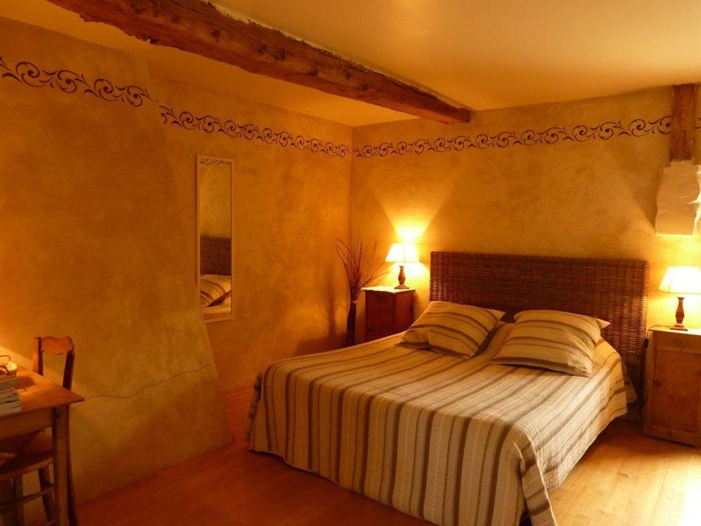Le Petit Chatelier, Saint-Samson-sur-Rance (Bretagne) : chambre