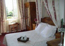 Manoir de la Baronnie, Saint Malo (Bretagne) : chambre romantique