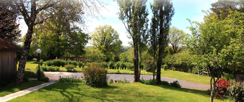 La Belle Epoque, chambres d'hôtes à Sansac de Marmiesse : parc