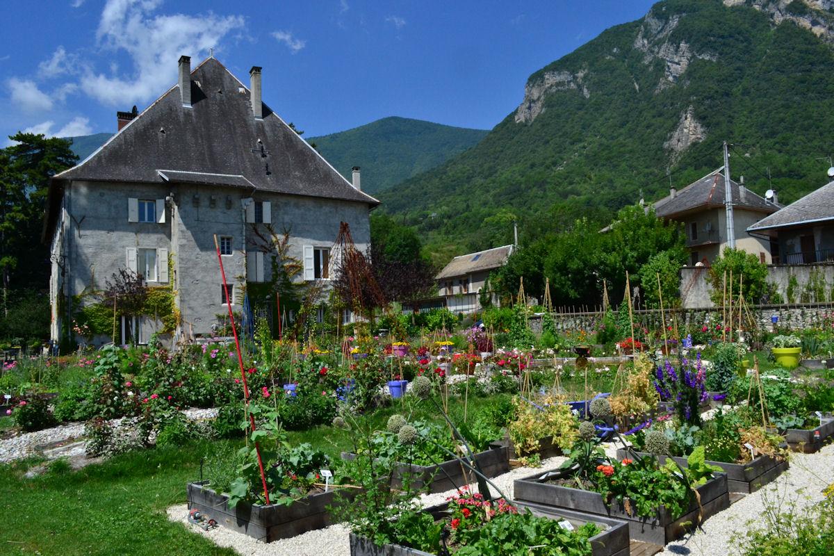 Ch 226 Teau Des Allues Saint Pierre D Albigny Savoie