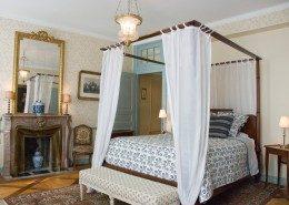 Château des Allues, Saint Pierre D'Albigny : chambre mauve sylvestre