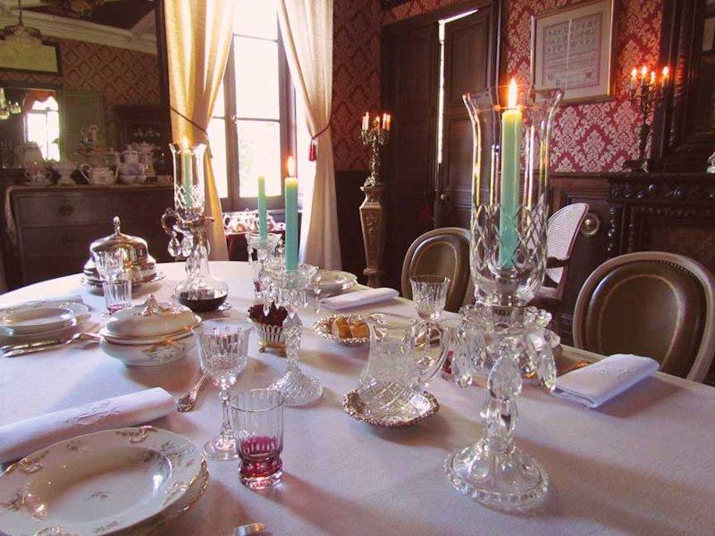 Ch teau de kerlarec chambres d 39 h tes arzano bretagne for Chateau d ax table de salle a manger