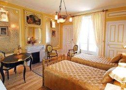 Domaine De Gaudon, Ceilloux : chambre la toillette d'Esther