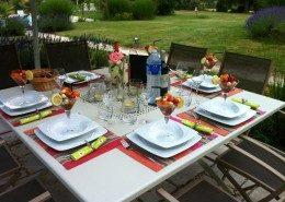 Maison Ardure : petit déjeuner à l'extérieur
