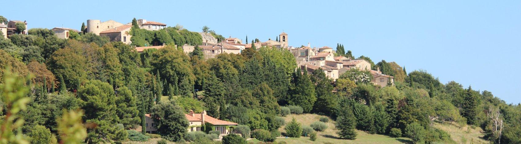 Tourtour (Var), le village dans le ciel