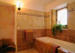Salle de bains de la chambre Toscane (La Lysiane, Rouffilhac)